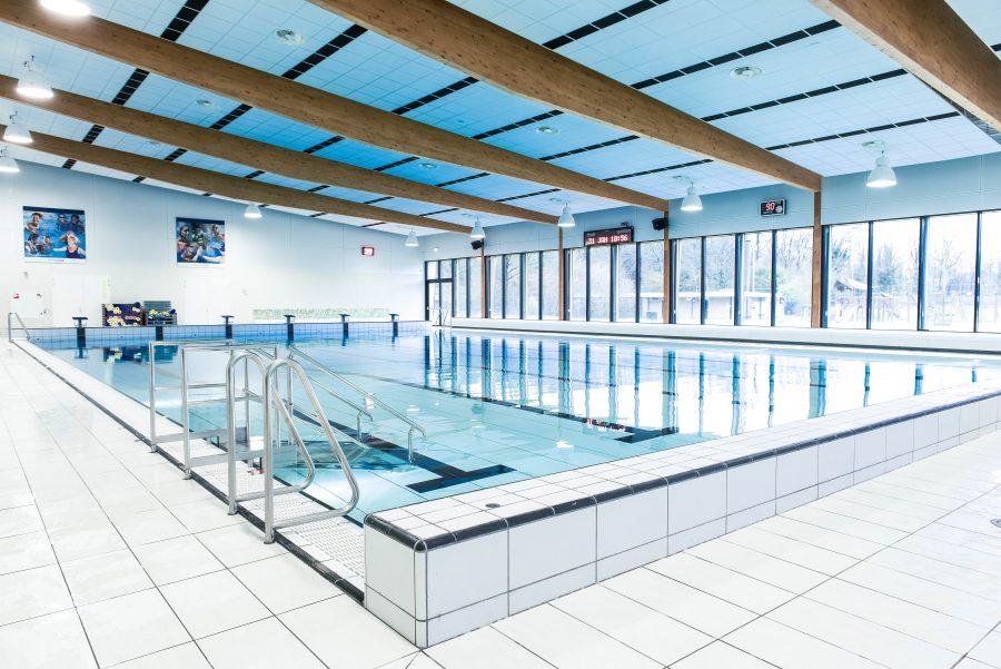 Zwembadwater bassin